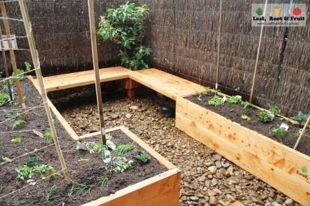 Courtyard edible garden make over south yarra